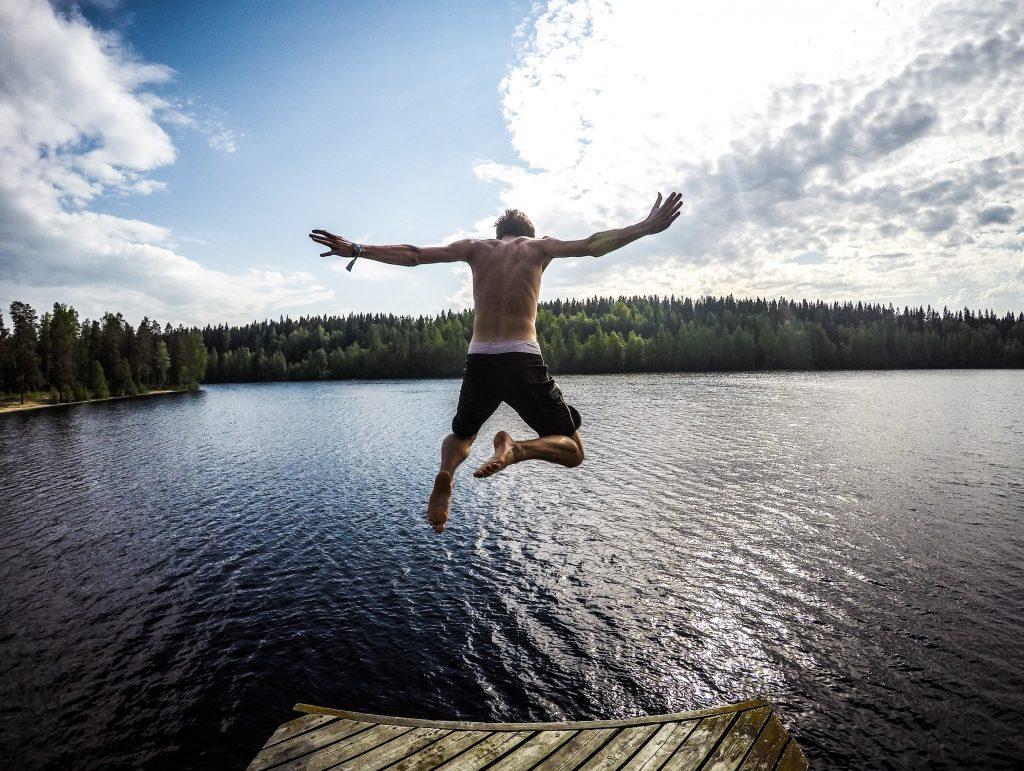Mit Schwimmen Körperfett reduzieren auf koerperfett-analyse.de